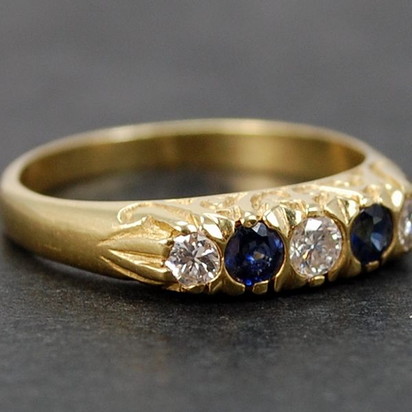 Victorian 18ct Yellow Gold Sapphire and Diamond 5 Stone Ring in Antique Jewellery from Coopers Jewellery, North Devon