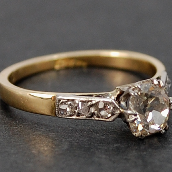 Art Deco 18ct Yellow Gold Single Stone Diamond Ring in Antique Jewellery from Coopers Jewellery, North Devon
