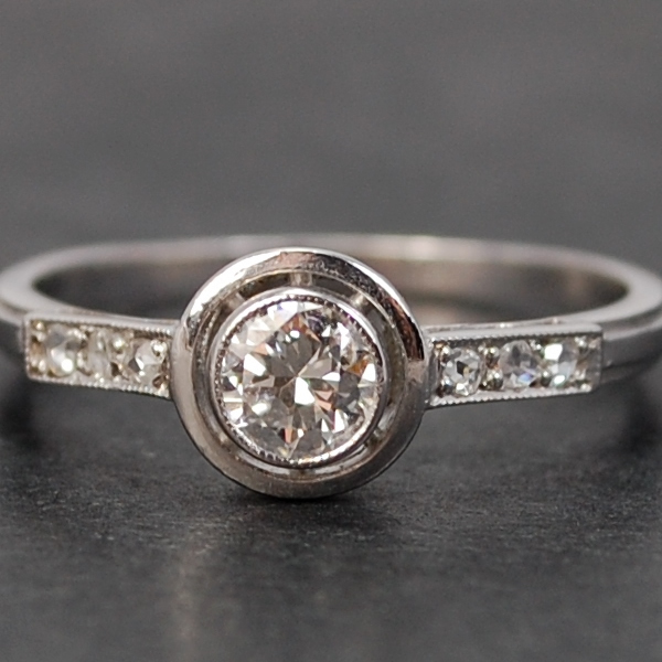 Art Deco Platinum Single Stone Diamond Ring in Antique Jewellery from Coopers Jewellery, North Devon