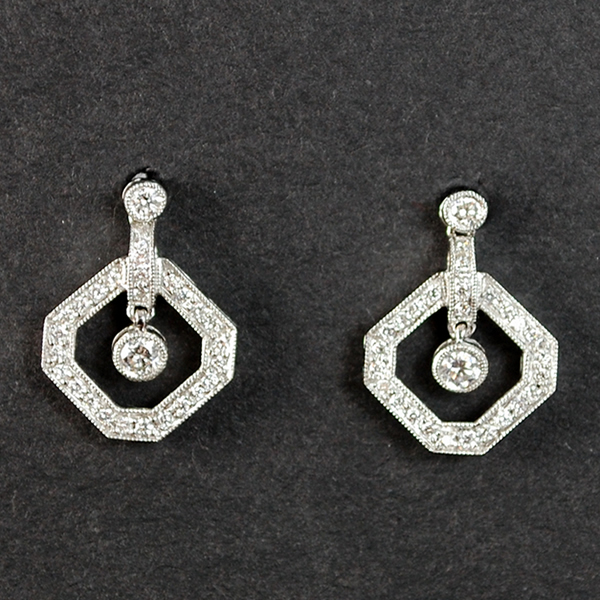 18ct White Gold Brilliant Cut Diamond Drop Earrings in Antique Jewellery from Coopers Jewellery, North Devon