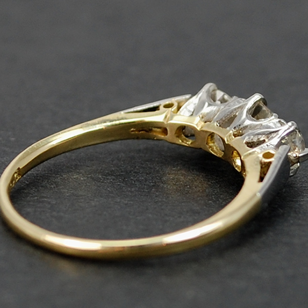 Vintage 18ct and Platinum 3 Stone Diamond Ring in Vintage Jewellery from Coopers Jewellery, North Devon