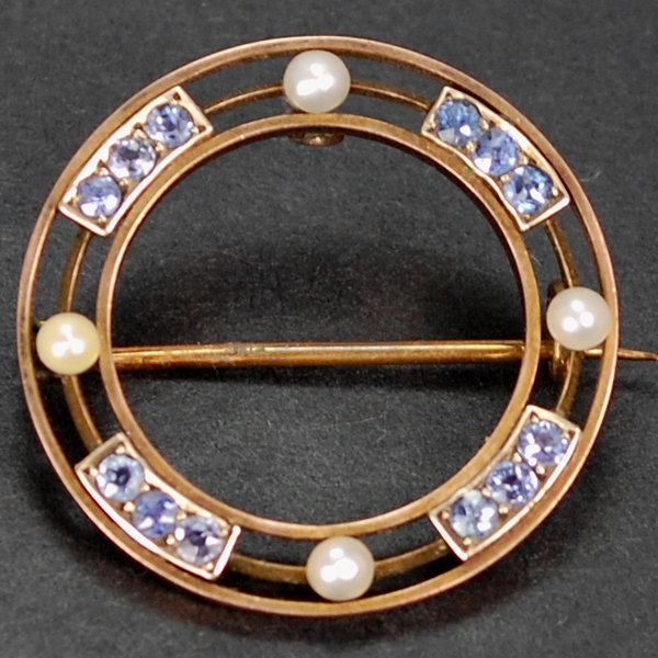 Edwardian 9ct Sapphire and Pearl Brooch in Antique Jewellery from Coopers Jewellery, North Devon