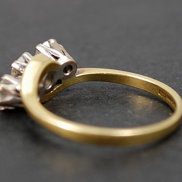 Vintage 18ct Yellow Gold 3 Stone Diamond Ring in Vintage Jewellery from Coopers Jewellery, North Devon